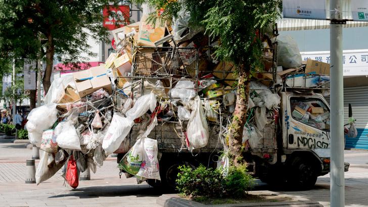 台湾で見たゴミ車
