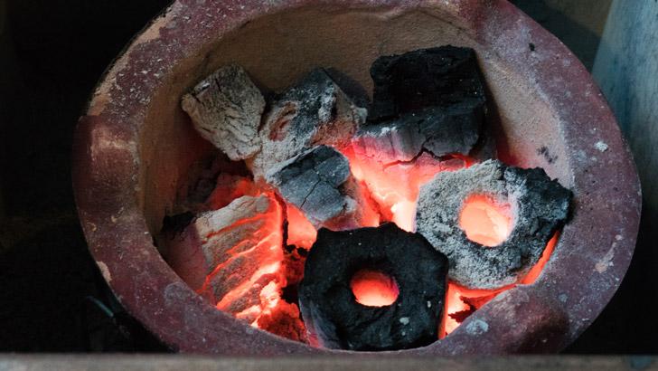 台湾の九份の炭