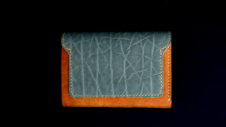 moto象革の財布