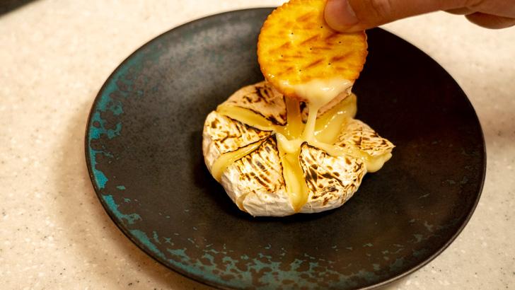 ガスバーナー カマンベールチーズ